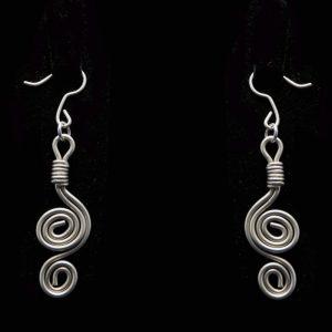 Χειροποίητα σκουλαρίκια με αλπακά και αρχαιοελληνικό σχέδιο