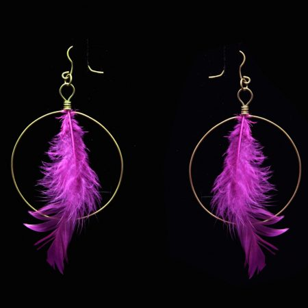 Handmade earrings with brass and feathers