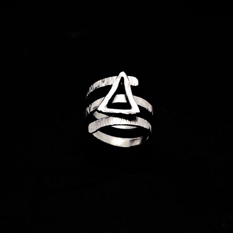 Χειροποίητο δαχτυλίδι με μονόγραμμα