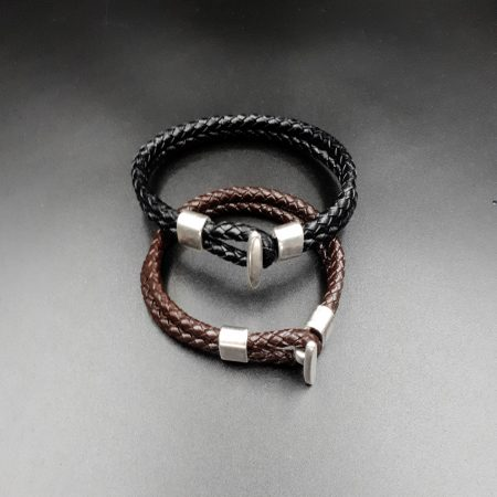 Handmade bracelet with leather and metallic element!