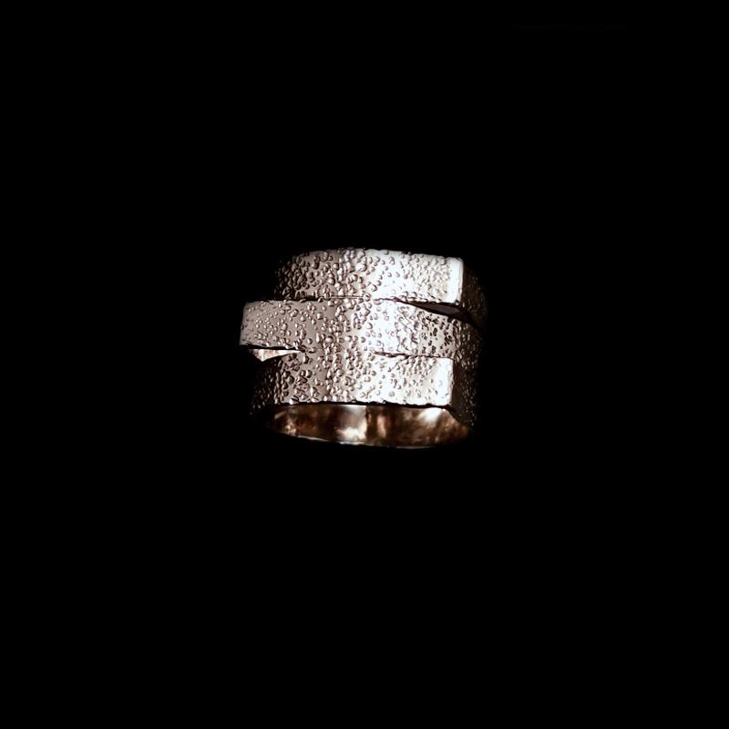 Χειροποίητο δαχτυλίδι με σφυρήλατο αλπακά