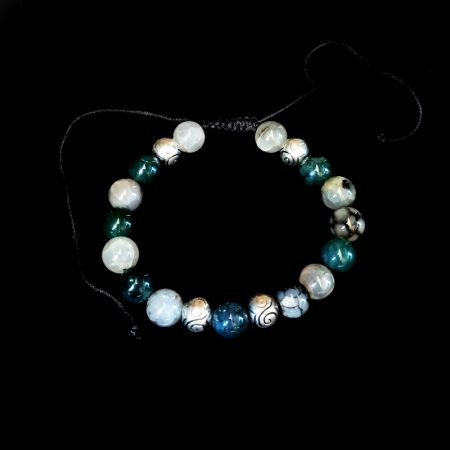 Handmade bracelet with semi-precious stones and metallic elements!